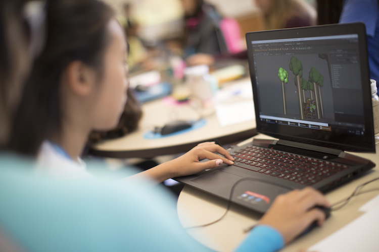 girl at computer 3d modeling